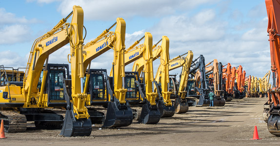 There are many avenues an equipment buyer can explore when shopping for used equipment: auctions, online equipment listing websites, private sellers or dealers and brokers
